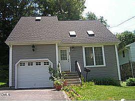 2004 Built 3br 2.5 Ba Single Family House