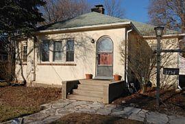 2754 Saint Johns Ave, Highland Park, IL 60035