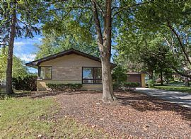 1025 Catalpa Ln Amazing Location in The Sought After West