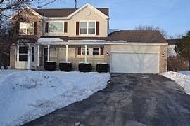 820 Mayberry Ct, Lake in The Hills, Il 60156