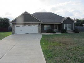 Great 4/2 in Farmbrook Subdivision in Ft Mitchell.