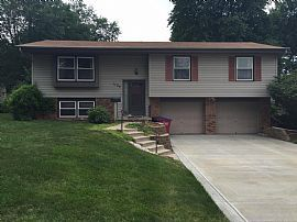3br/2ba Updated Home in Papillion