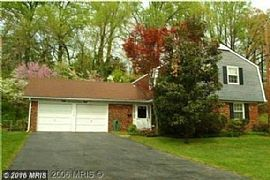 Beautiful in Bowie! Spacious 4 Bdr, 2.5 Ba. Fireplace,