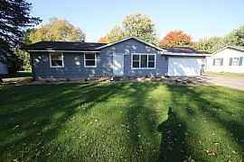 Beautiful Lakeville Home! Completely Remodeled!.