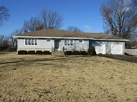 Great Home in a Prime Location with a Large, Private Yard, Clos