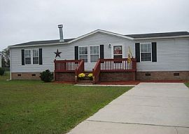 115 Magnolia Gardens Dr, Jacksonville, Nc 28540