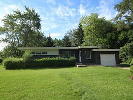 400 Forest Preserve Dr, Wood Dale, Il 60191 2 Beds 1 BATH 1,18
