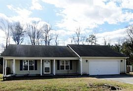 142 Plow Point Ln, Jacksonville, Nc 28546