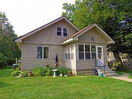 626 Hazel St, River Falls, Wi 54022