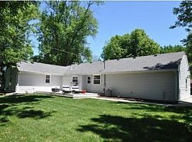 7639 N Seneca Rd, Fox Point, Wi 53217 3 Beds 2 Baths 1,934 Sqf