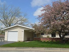 1108 Stonington Ct, Schaumburg, Il 60193 2 Beds 1 Bath 1,078 Sq