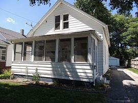 613 W Locust St, Bloomington, Il 61701