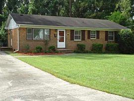 204 Puller Dr, Jacksonville, Nc 28540