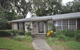 Large 4 Bedroom 2.5 Bathroom Home in Fort Caroline Club with A