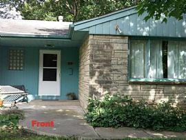 1406 S Vine St, Urbana, Il 61801 3 Beds 2 Baths 1,400 Sqft