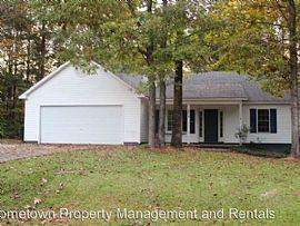 404 Red Leaf Ct, Jacksonville, Nc 28540