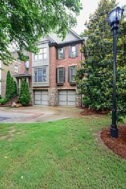 7953 Magnolia Sq, Atlanta
