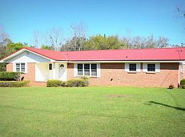 1118 11th Ave, Graceville, Fl 32440