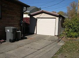 309 Poplar Rd, Indianapolis, in 46219 2 Beds 1 Bath