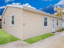 917 E Lorraine Ave, Addison, Il 60101 2 Beds 1 Bath 1,500 Sqft