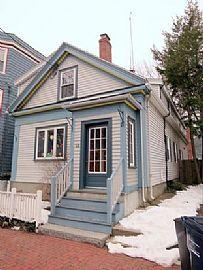 48 Cottage St, Cambridge, Ma 02139 ---3 Beds 1.5 Baths