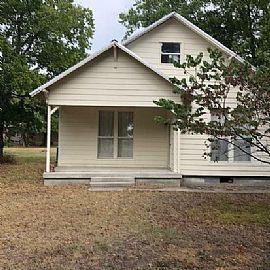504 N Frederick St, Ponder, Tx 76259