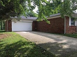 10221 Baribeau Ln, Indianapolis, in 46229 3 Beds 1 Bath 1,250 S