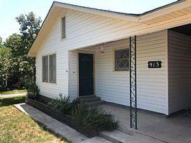 913 Prescott St, Kerrville, Tx 78028