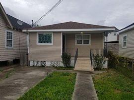 2207 Mandeville St, New Orleans, La 70117