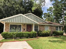 1326 Candlelight Ln, Houston, Tx 77018 3 Beds 2 Baths 1,800 Sq