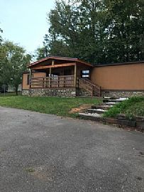 65 Hookers Gap Rd, Candler, Nc 28715