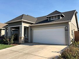 3 Beds 2 Baths...2955 Sweetwater Fls, Chic