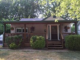 1327 S Pennsylvania Ave, Springfield, Mo 65807 3 Beds 2 Baths 1