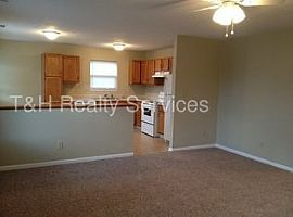 6411 River Run Dr, Indianapolis, in 46221 3 Beds 2 Baths
