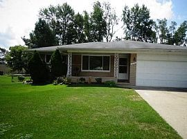 5576 Botsford Ave, Sterling Heights, Mi 48310 3 Beds 2 Baths 1,