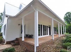 5 Beds 3 Baths For Rent