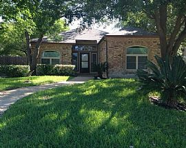 3 Beds 2 Baths Available For Rent