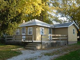 105 W Forest Ave, East Peoria, Il 61611