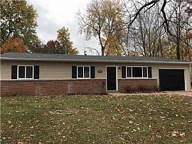 Great 3 Br Home in Ballwin. Great Neighborhood