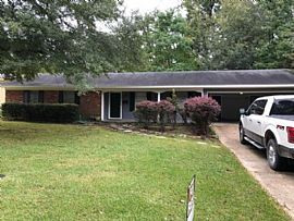 5833 Orchardview Dr, Jackson, Ms 39211