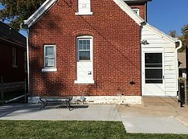 1124 Madison St, Quincy, IL 62301