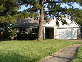 13815 Glade Hollow Dr, Houston, Tx 77014