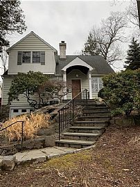 51 Kingsbury Rd, New Rochelle, Ny 10804 5 Beds 2 Baths 1,900 Sq