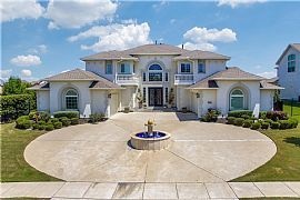 5 Beds 5.5 Baths 5,755 Sqft