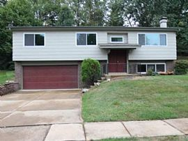 1617 Bronco Ln, Saint Louis, Mo 63146