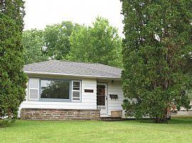 1606 Parker St Cedar Falls, Ia 50613