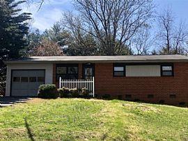 4015 Prescott Dr, Johnson City, Tn 37601
