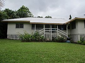 Cozy 2 Bedroom in Kaneohe For Rent.