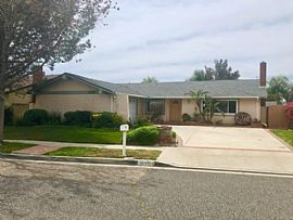 Spacious 4 Bedrooms and 2 Bathrooms Single Story Home For Rent.