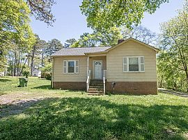 111 Hilltop St, Mount Holly, Nc 28120